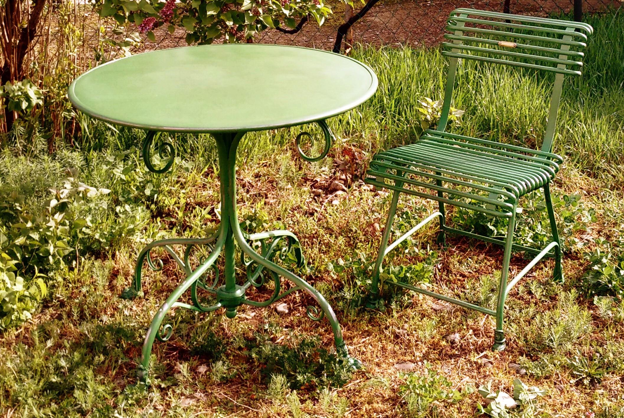 T80 table de jardin ronde pieds griffe - Griffe de jardin ...